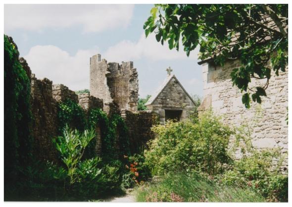 farleigh hungerford castle garden